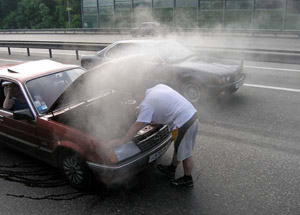 Почему кипит двигатель на Пежо 308?